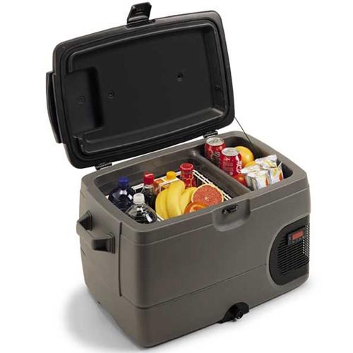Сумка-холодильник в автомобиле: продукты в дорогу.